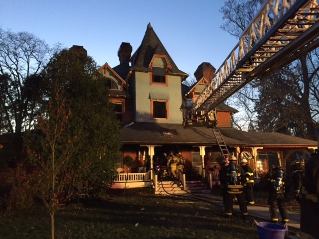 Hockessin Assists Kennett on a Residential Fire